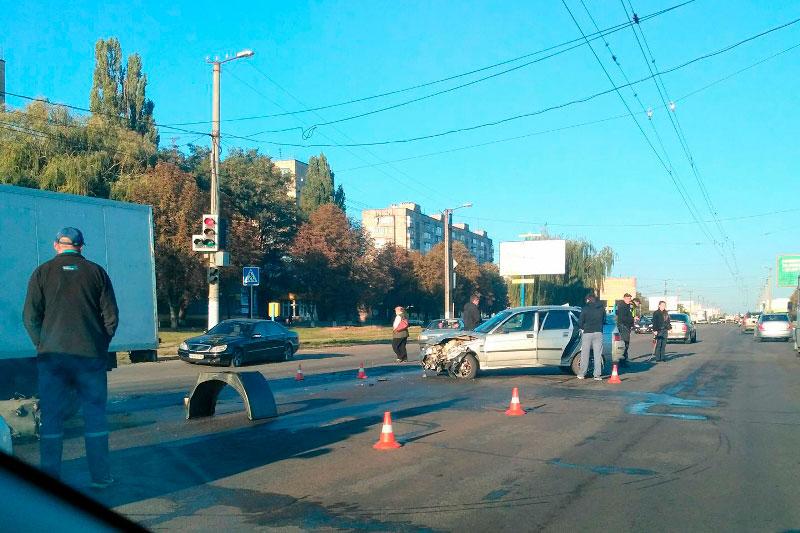 У Кропивницькому вранці зафіксували кілька ДТП, одна з потерпілими. ФОТО - 5 - Події - Без Купюр