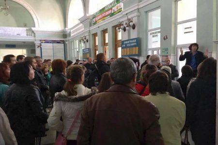 Пасажири, які проїхали свої станції через пожежу на військових складах Вінниччини, виїхали зі Знам'янки