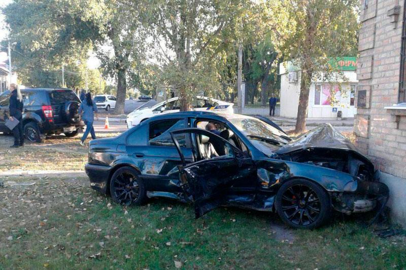 У Кропивницькому вранці зафіксували кілька ДТП, одна з потерпілими. ФОТО - 3 - Події - Без Купюр