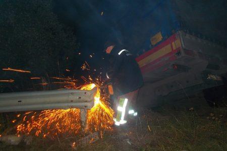 У Світловодському районі вантажівка з'їхала у кювет. ФОТО