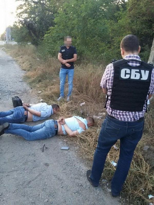У Кропивницькому СБУ затримала за підозрою у хабарництві двох поліцейських - 1 - Події - Без Купюр