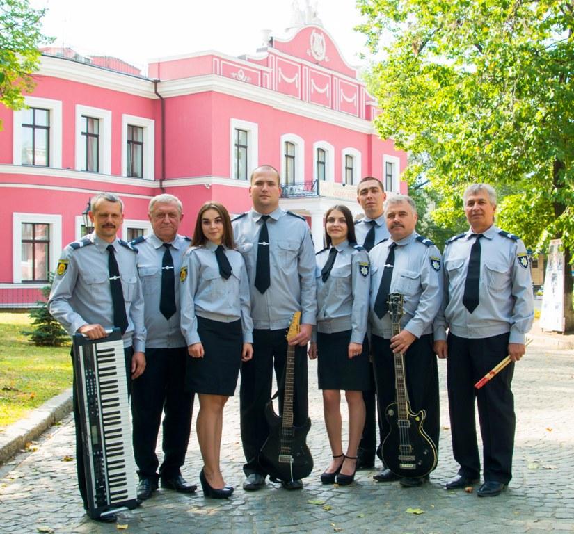 У Кропивницькому діє єдиний в Україні відомчий музичний гурт поліцейських «Офіцери» - 2 - Життя - Без Купюр