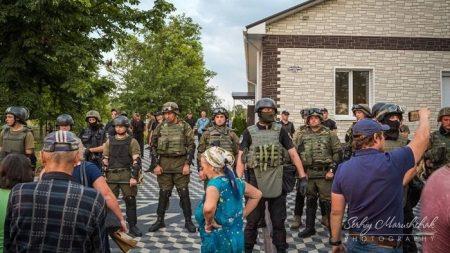 Прокуратура каже, що знайшла причетного до рейдерства у Бережинці, і що тітушок судитимуть