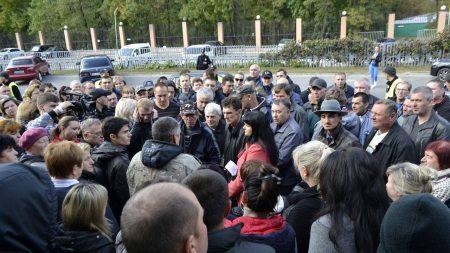 """Підприємці """"Європейського"""" мітингують проти підвищення оренди, адміністрація каже, що по-іншому не може"""