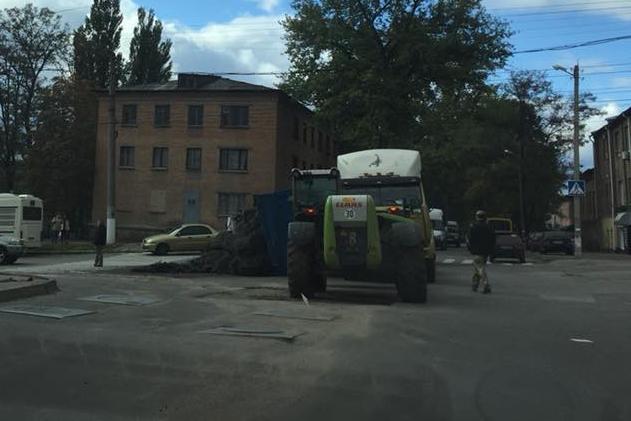 У Кропивницькому у вантажівки відірвався кузов. ФОТОФАКТ - 4 - Події - Без Купюр