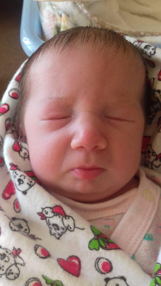 Без Купюр У Кропивницькому молоді батьки просять допомогти врятувати піврічну донечку. ФОТО Благодійність Життя  Юля Плахотнюк Потрібна допомога на лікування дитини