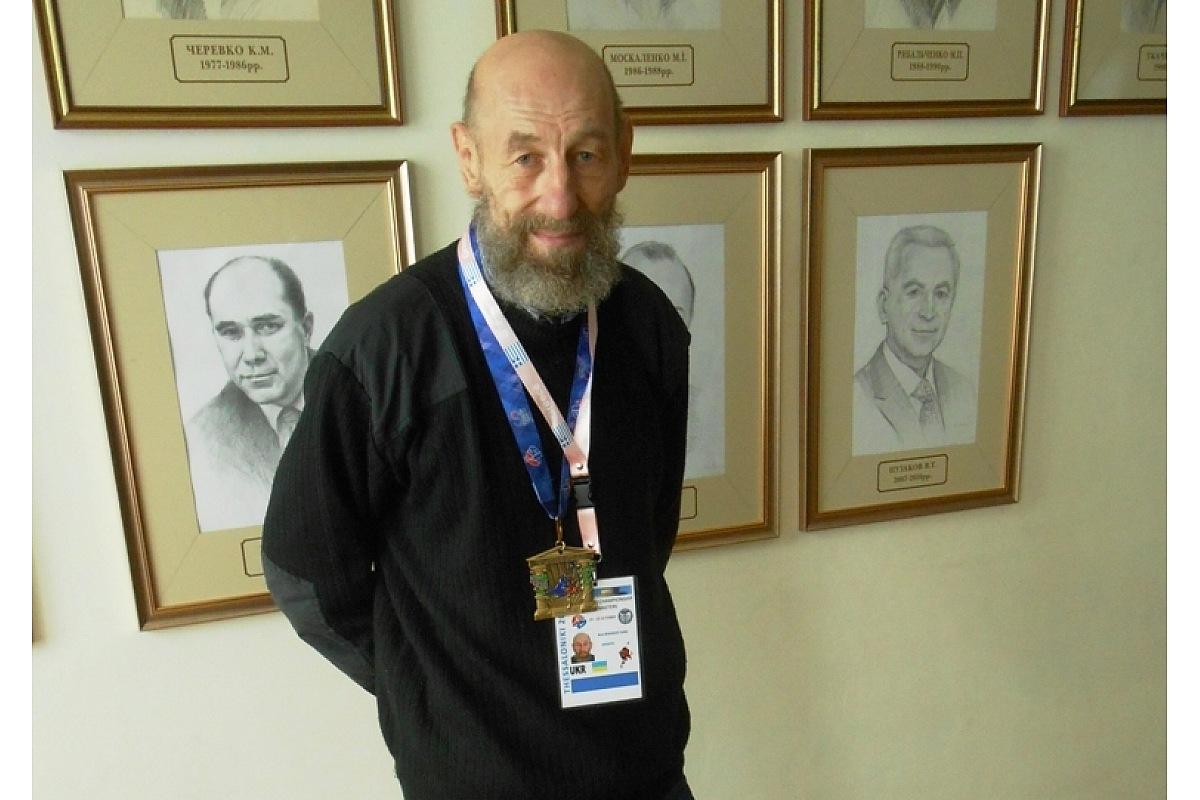 Без Купюр 62-річний кропивничанин став чемпіоном світу із самбо, перемігши двох росіян. ФОТО Спорт  чемпіонат Самбо Кропивницький Доктор наук Греція