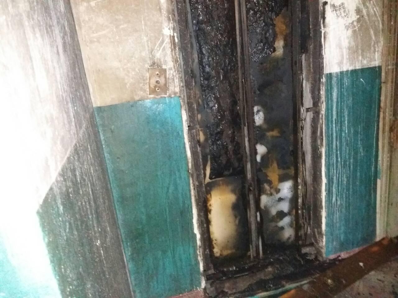 Без Купюр | Події | У будинку на Попова вигорів ліфт та провалився на перший поверх. ФОТО 6