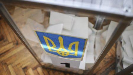 Вибори в ОТГ: на Кіровоградщині найбільше кандидатів до ТВК подали «БПП», «Батьківщина» і «Опоблок»