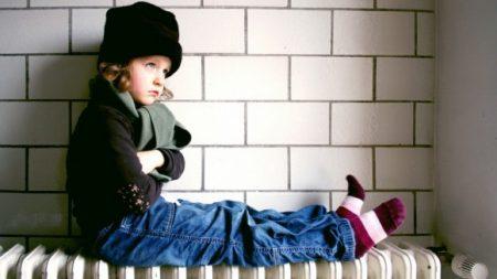 Мерія звітує, що дитсадки опалюються, батьки – скаржаться на холод
