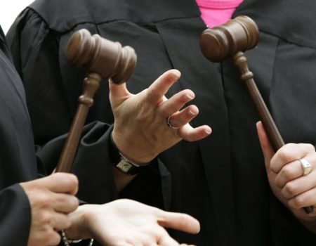 У Кропивницькому троє суддів заявили про самовідвід у справі заступника прокурора області, який підозрюється в хабарництві