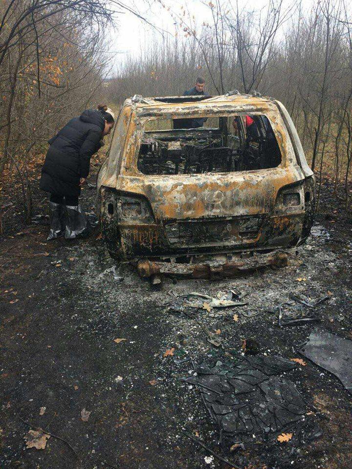 Спалений Lexus під Кропивницьким знайшли місцеві жителі. ФОТО - 1 - Кримінал - Без Купюр