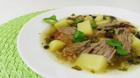 Перші страви… із «кислинкою»: борщ із чорносливом і бульйон із барбарисом