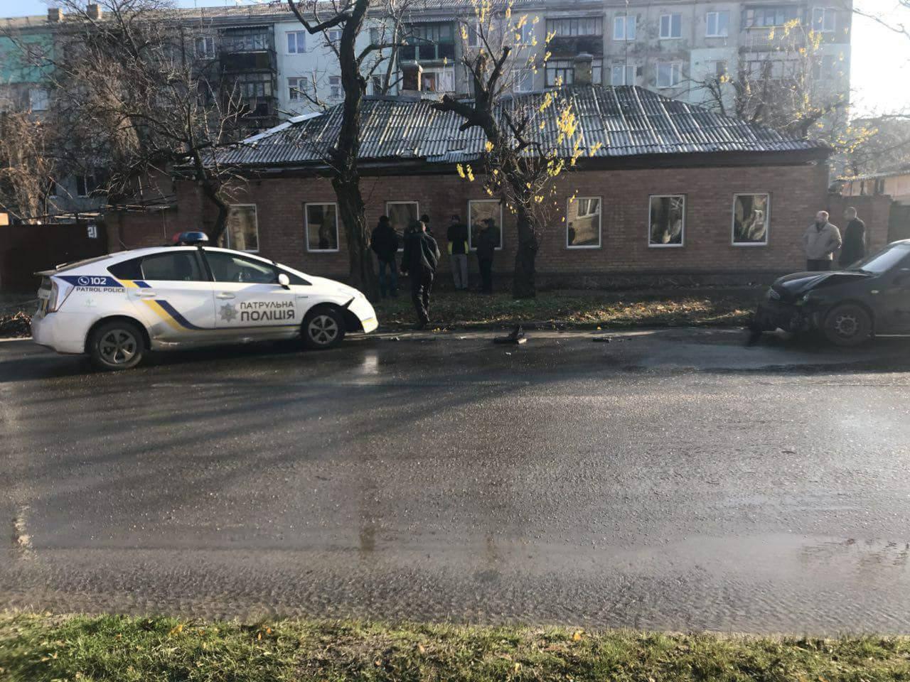 У Кропивницькому на одній вулиці сталося кілька ДТП. ФОТО. ОНОВЛЕНО 2