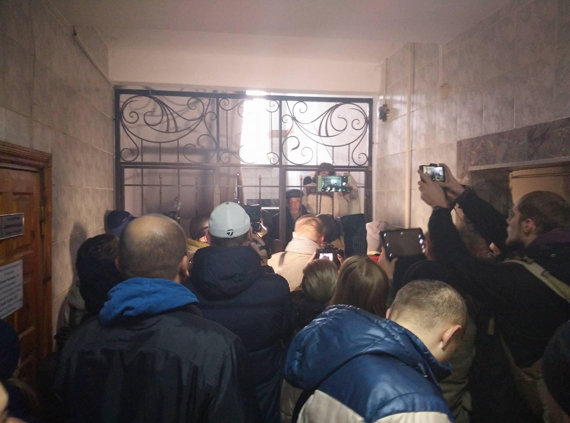 Без Купюр Активісти прорвалися в «Кіровоградгаз». ФОТО, ВІДЕО Події  теплопостачання Кропивницький Кіровоградгаз
