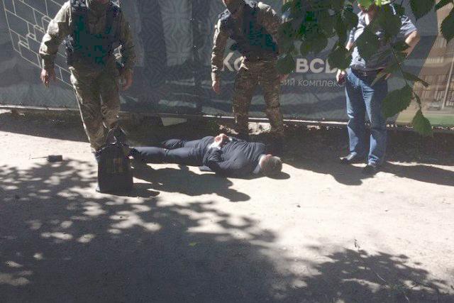 Прокурора Кіровоградської прокуратури, підозрюваного у хабарництві, рекомендували звільнити - 1 - Корупція - Без Купюр