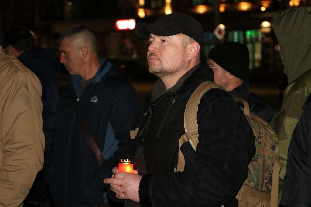 Якщо не об'єднаємося - не встоїмо, але й поєднуватися з тими, хто забув, чому йшли на Майдан, не пристало - священик Рафаїл 5