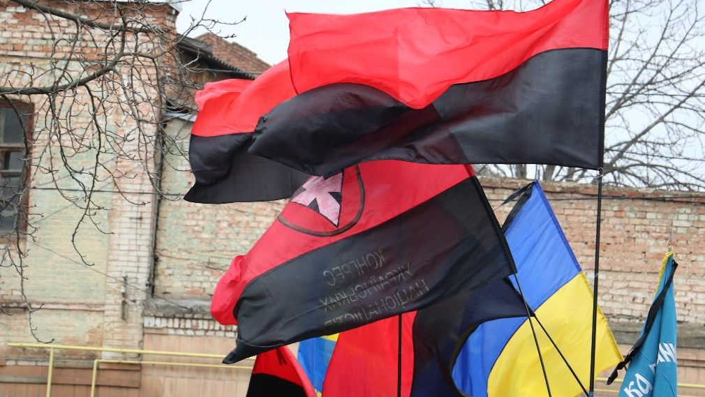 Без Купюр У Кропивницькому офіційно затвердили використання червоно-чорного прапору Життя  червоно-чорний прапор Кропивницький
