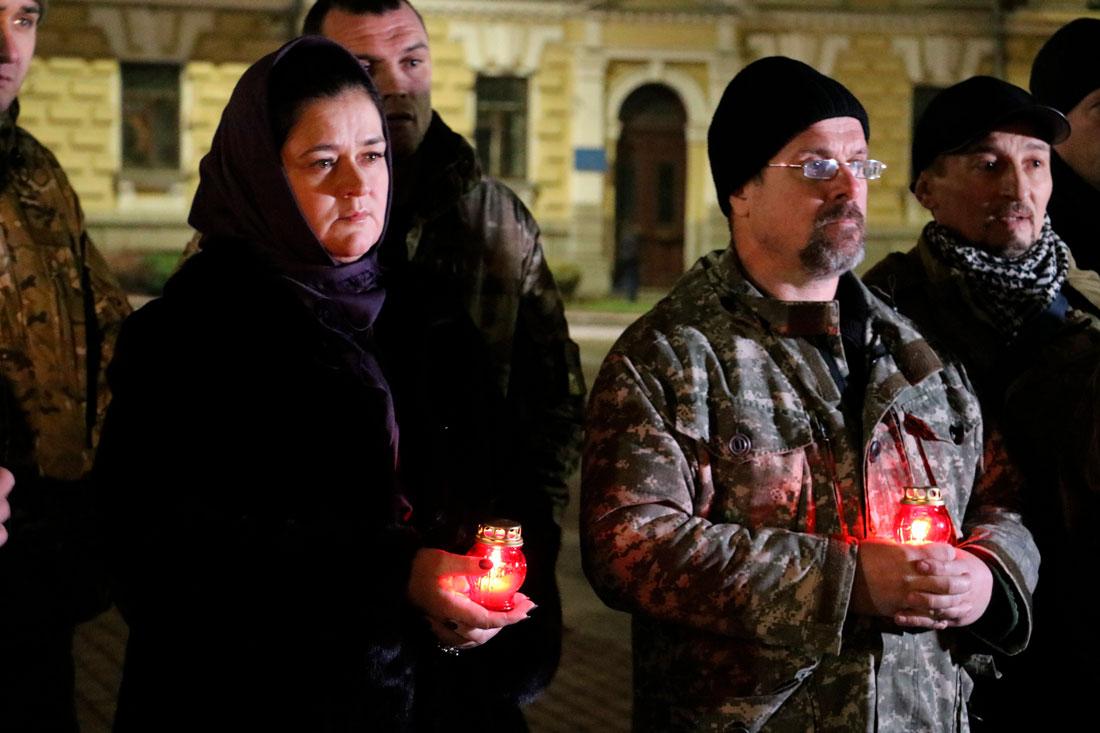 У Кропивницькому пройшов мітинг до річниці розгону Євромайдану. ФОТО - 1 - Життя - Без Купюр