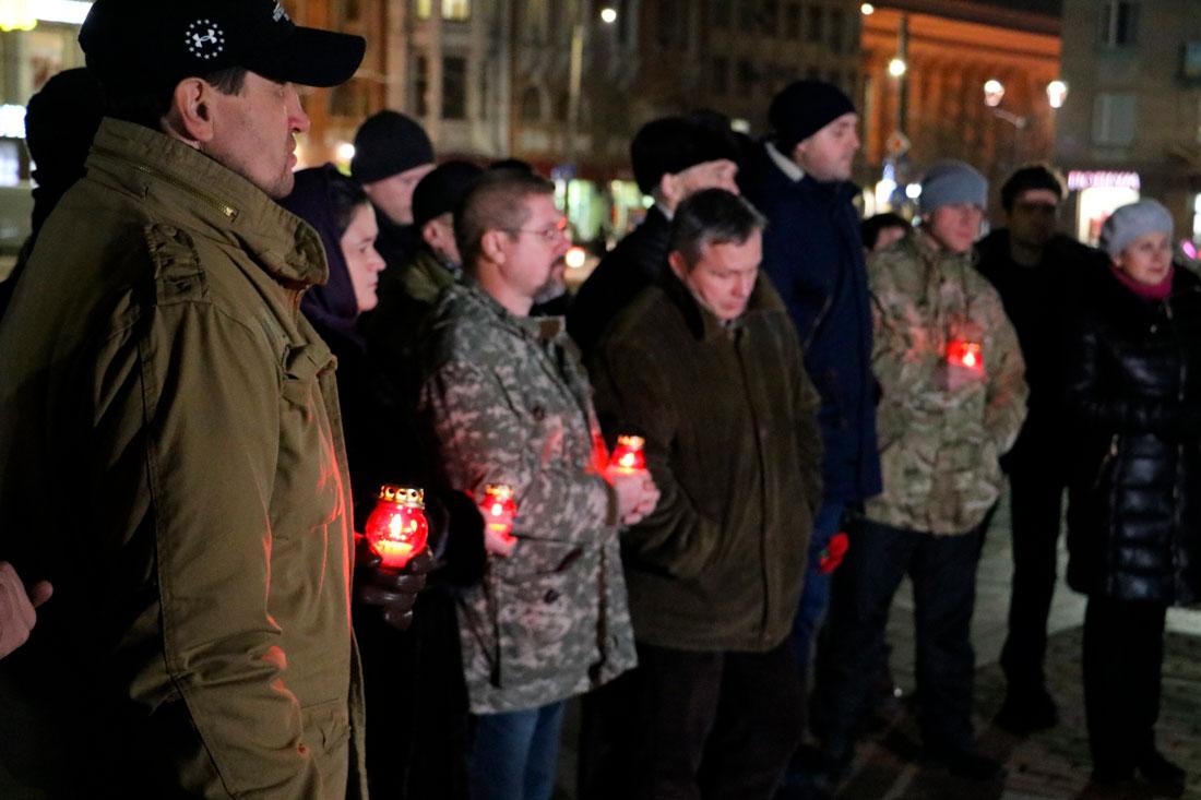 У Кропивницькому пройшов мітинг до річниці розгону Євромайдану. ФОТО - 6 - Життя - Без Купюр