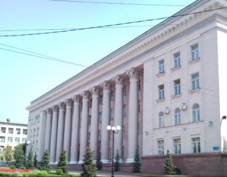 У Кропивницькому громадські активісти дізналися, якою є зарплатня посадовців управління освіти