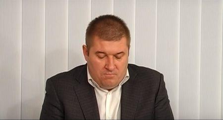 Підозрюваний у корупції  посадовець Світловодської РДА каже, що звільнився, щоб не ганьбити державний орган. ВІДЕО