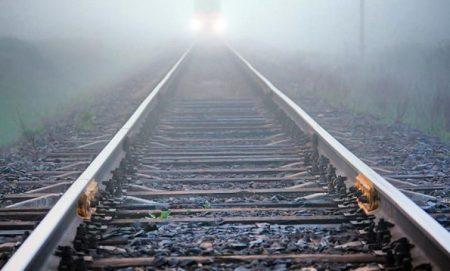 У Кропивницькому жінка ледь не загинула під потягом