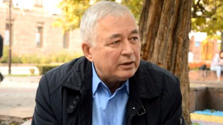 Письменник і літературознавець вважає, що в назвах магазинів і ресторанів Кропивницького панує провінціалізм