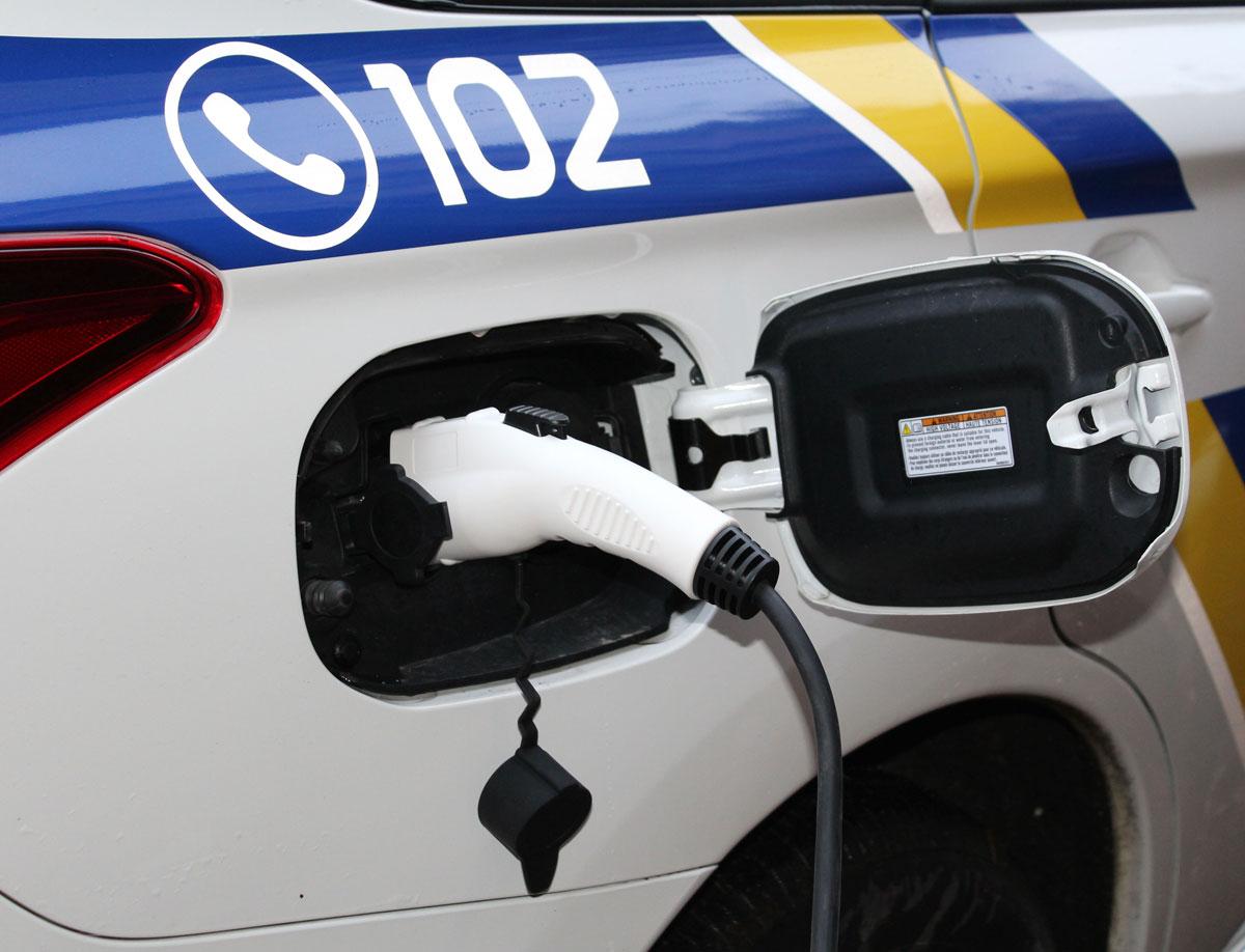 Без Купюр Гібридні позашляховики поліцейських Кіровоградщини отримали вдвічі швидші зарядні пристрої. ФОТО, ВІДЕО Життя  Кропивницький