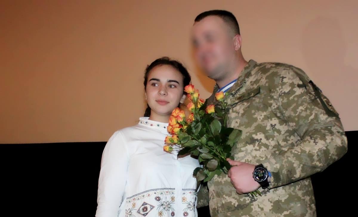 У Кропивницькому стартував показ фільму «Кіборги» про героїчну оборону ДАПу. ФОТО - 4 - Війна - Без Купюр
