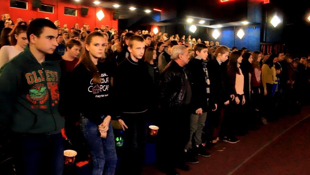 У Кропивницькому стартував показ фільму «Кіборги» про героїчну оборону ДАПу. ФОТО - 5 - Війна - Без Купюр