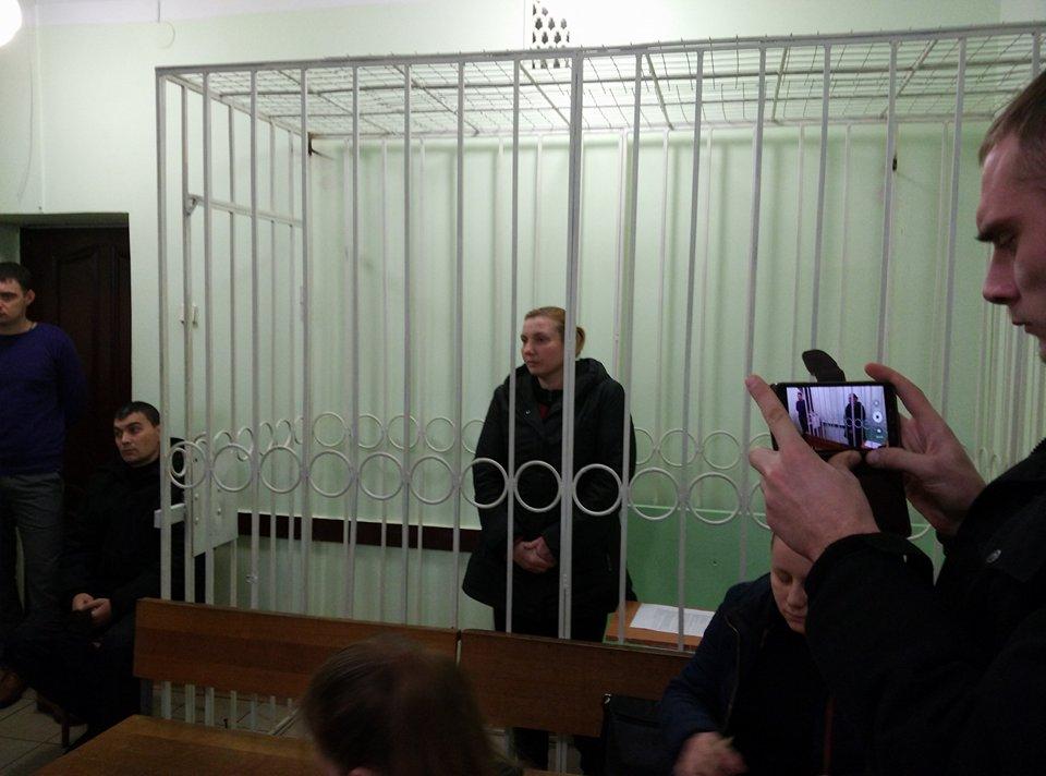 Без Купюр У Кропивницькому підозрюваній у вбивстві доньки суд обиратиме запобіжний захід у закритому режимі Кримінал  Кропивницький Катя Добродій вбивство