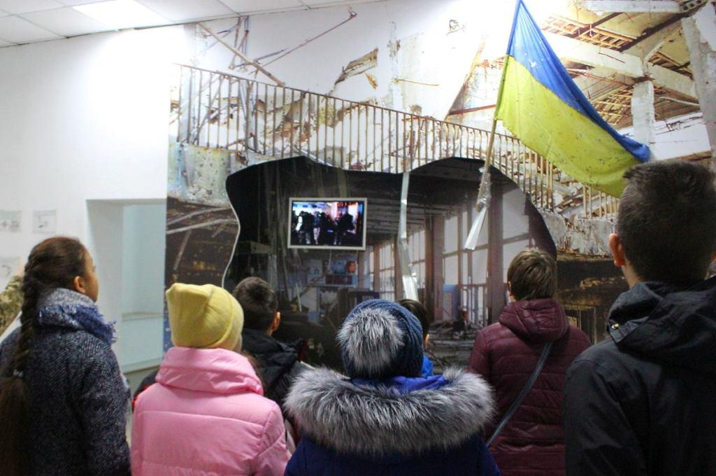 Без Купюр | Події | У Кропивницькому учні альтернативної школи побували в музеї спецпризначенців. ФОТО 5