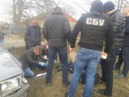 На Кіровоградщині прокуратура з СБУ затримали полісмена за вимагання 10 тисяч. ФОТО