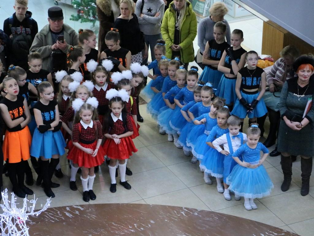 У Кропивницькому відкрився пункт Святого Миколая, де приймають іграшки для хворих дітей. ФОТОРЕПОРТАЖ 5