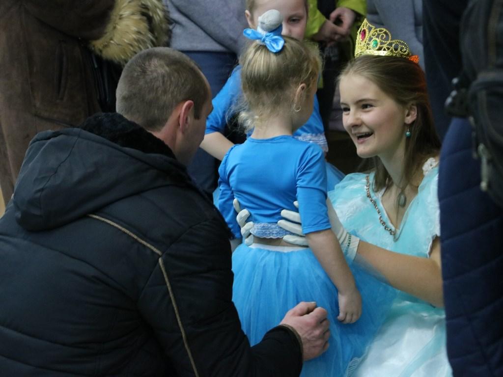 У Кропивницькому відкрився пункт Святого Миколая, де приймають іграшки для хворих дітей. ФОТОРЕПОРТАЖ 10