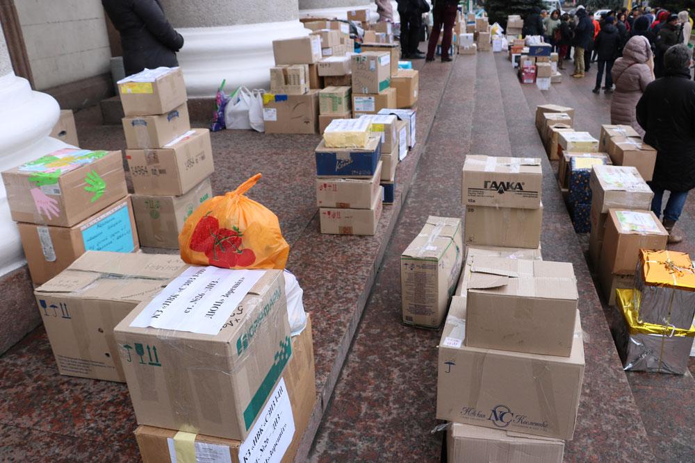 У Кропивницькому зібрали десятки пакунків допомоги для військових. ФОТО 4 - Життя - Без Купюр