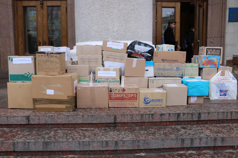 У Кропивницькому зібрали десятки пакунків допомоги для військових. ФОТО 7 - Життя - Без Купюр