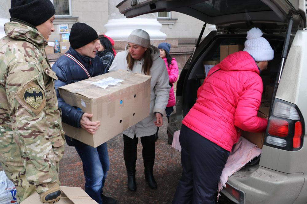 У Кропивницькому зібрали десятки пакунків допомоги для військових. ФОТО 17 - Життя - Без Купюр