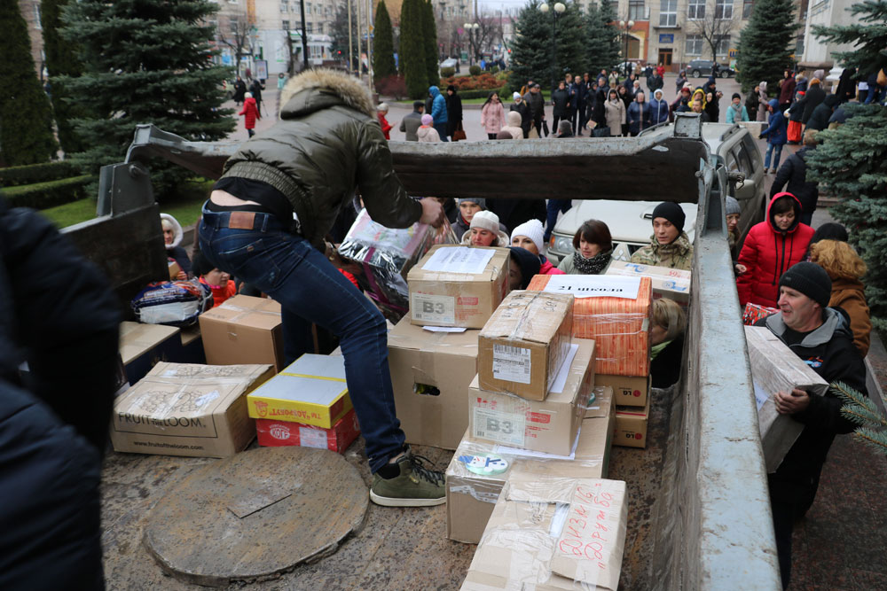 У Кропивницькому зібрали десятки пакунків допомоги для військових. ФОТО 22 - Життя - Без Купюр