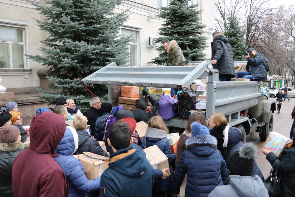 У Кропивницькому зібрали десятки пакунків допомоги для військових. ФОТО 23 - Життя - Без Купюр