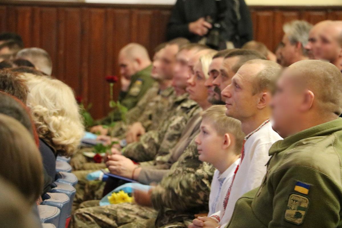 Як у Кропивницькому відзначили День Збройних сил. ФОТОРЕПОРТАЖ - 46 - Життя - Без Купюр