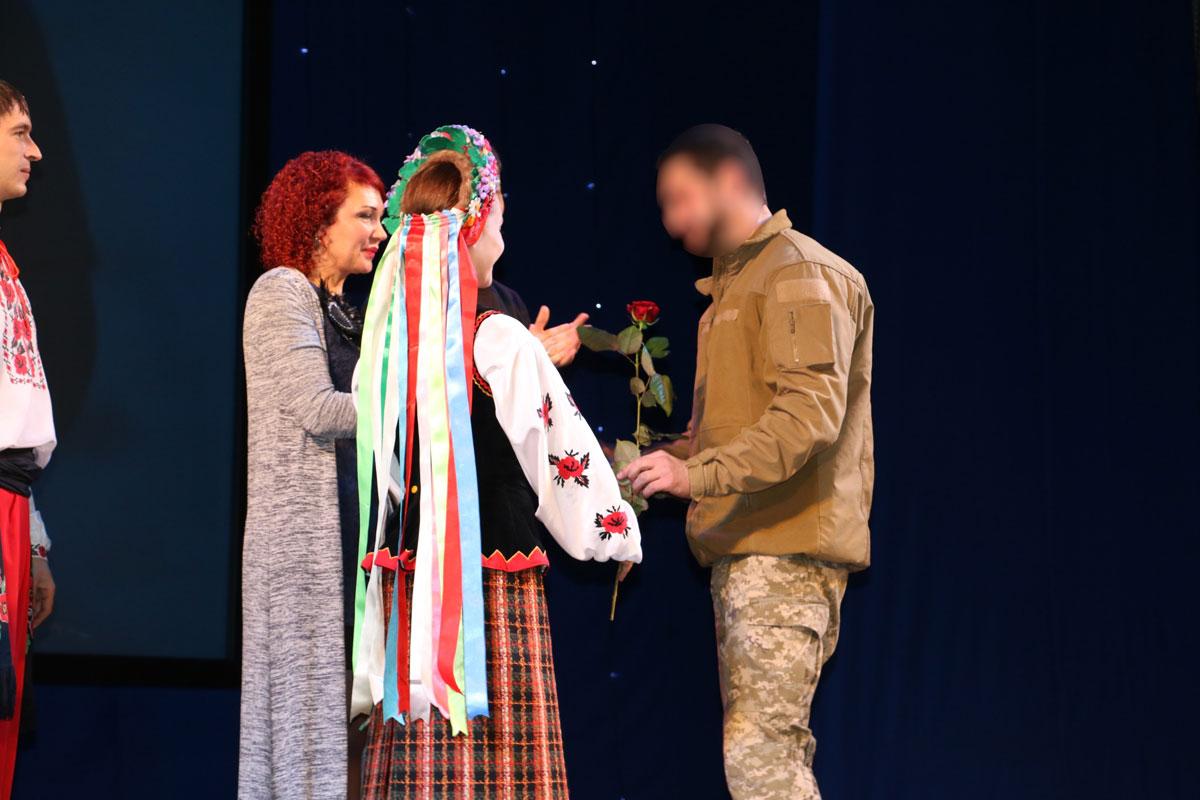 Спецпризначенців Кропивницького нагородили срібними медальйонами від волонтерів. ФОТО - 9 - Життя - Без Купюр