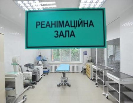 ДТП в Кропивницькому: одна людина загинула, медики борються за життя двох хлопців, потрібна кров. ДОПОВНЕНО