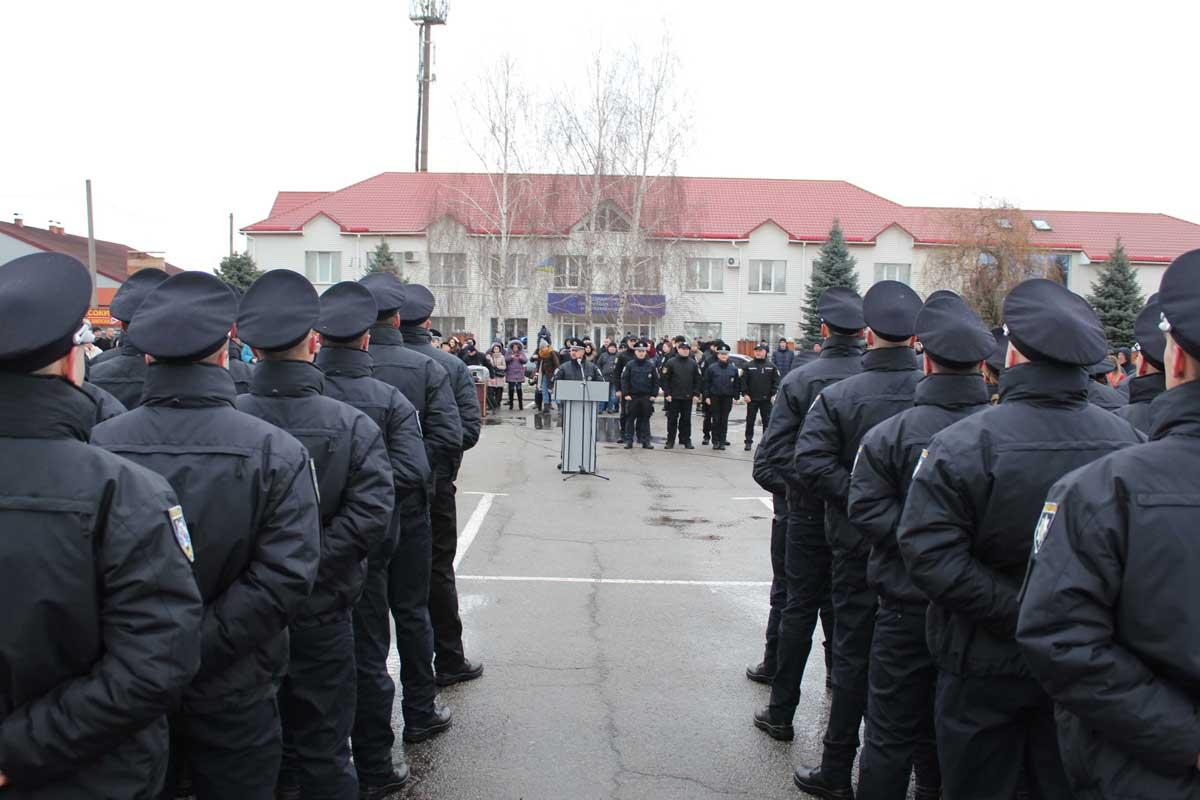 У патрульну поліцію Кіровоградської області відібрали 72 із 870 бажаючих. ФОТО 1 - Життя - Без Купюр