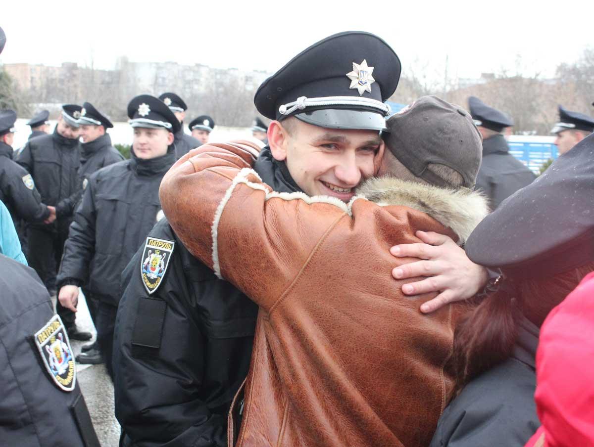 У патрульну поліцію Кіровоградської області відібрали 72 із 870 бажаючих. ФОТО 3 - Життя - Без Купюр