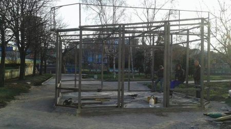 Чому у Кропивницькому вибірково демонтують незаконні споруди?
