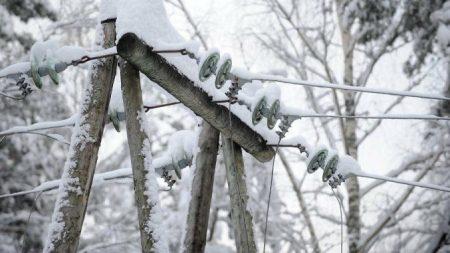 На Кіровоградщині через погіршення погодних умов 27 населених пунктів лишились без електропостачання
