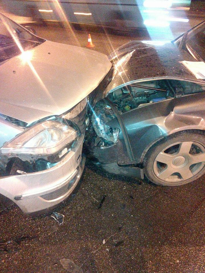 У Кропивницькому водій Audi виїхав на зустрічну й врізався в Renault Logan. ФОТО Фото 5 - За кермом - Без Купюр - Кропивницький