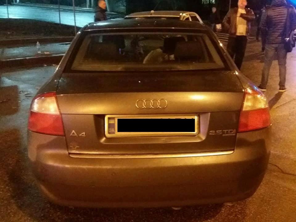 У Кропивницькому водій Audi виїхав на зустрічну й врізався в Renault Logan. ФОТО Фото 3 - За кермом - Без Купюр - Кропивницький